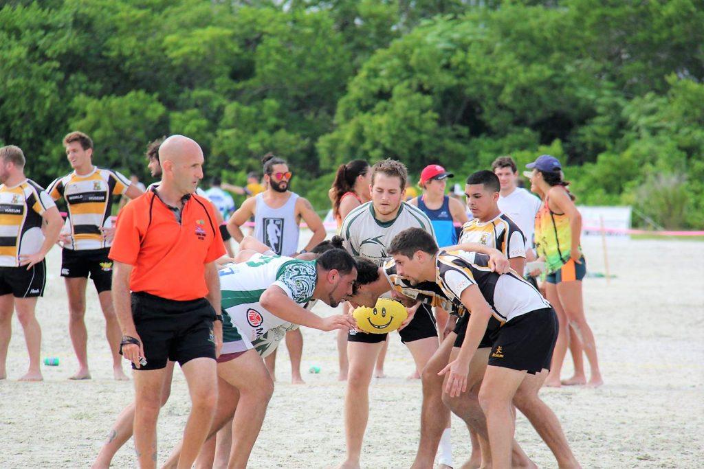 beerfoot-beach-rugby-scrum